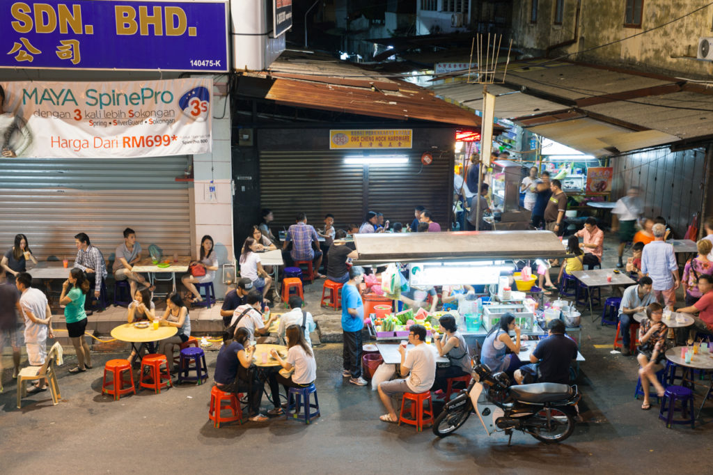 People dining at the street food stalls on Lebuh Chulia