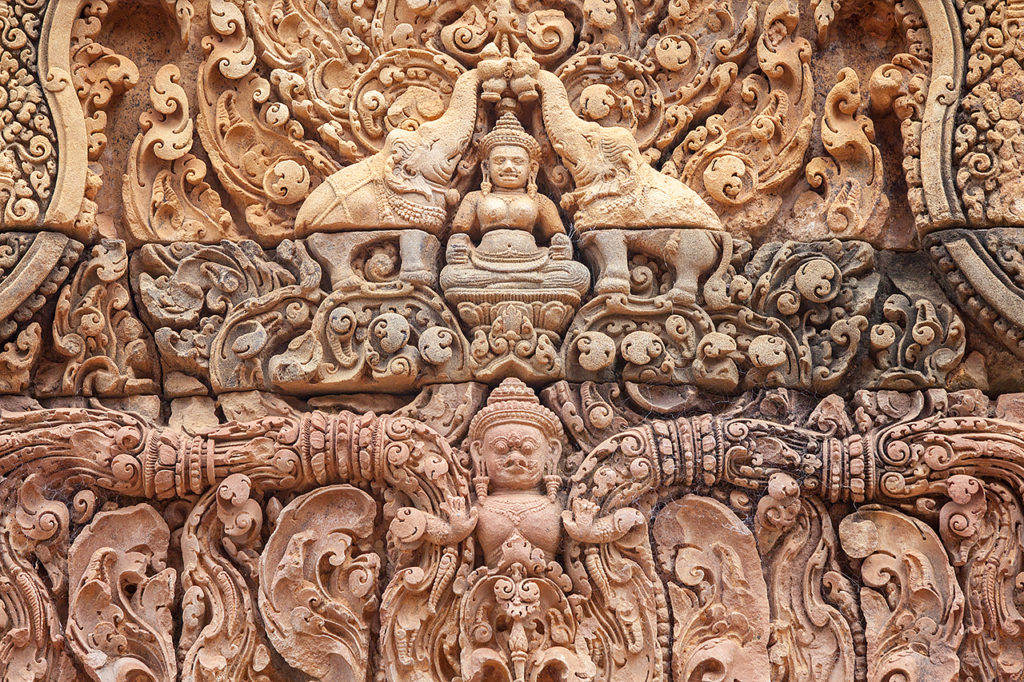 The magnificent carving on the wall of Banteay Srei
