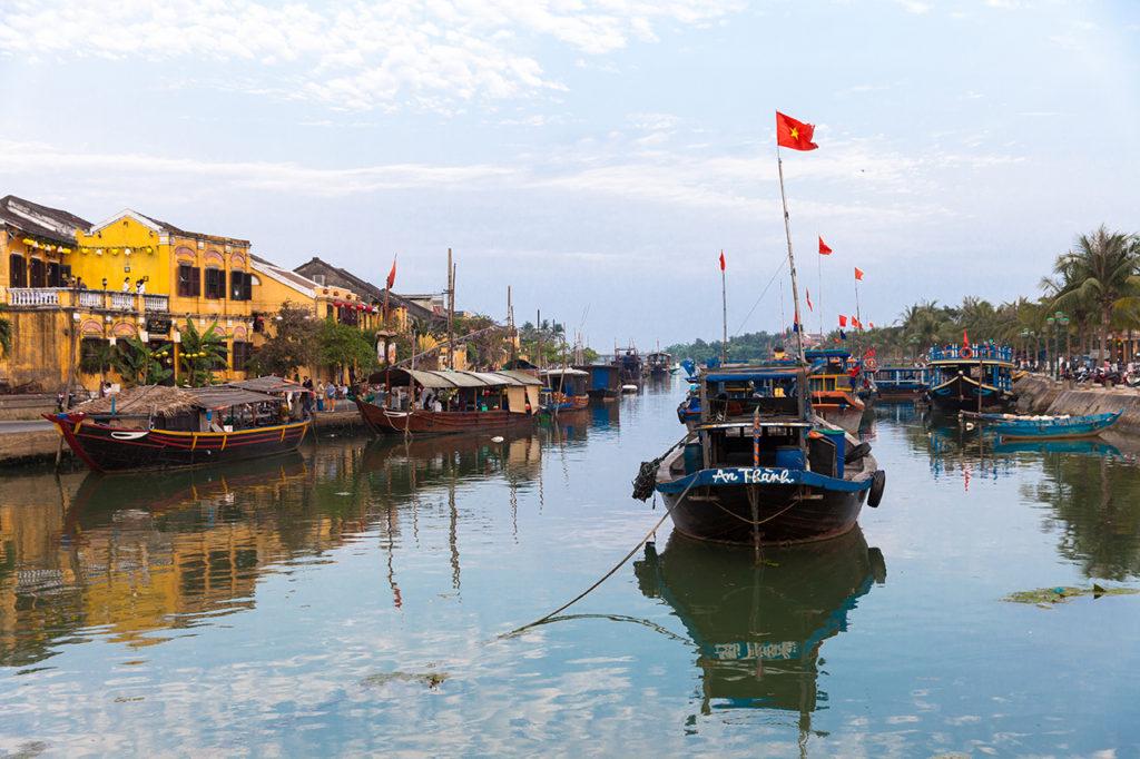 Hoi an, Vietnam: Boats on Thu Bon river